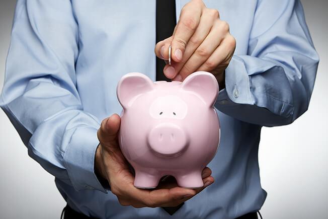 בחור שם כסף בקופת חיסכון